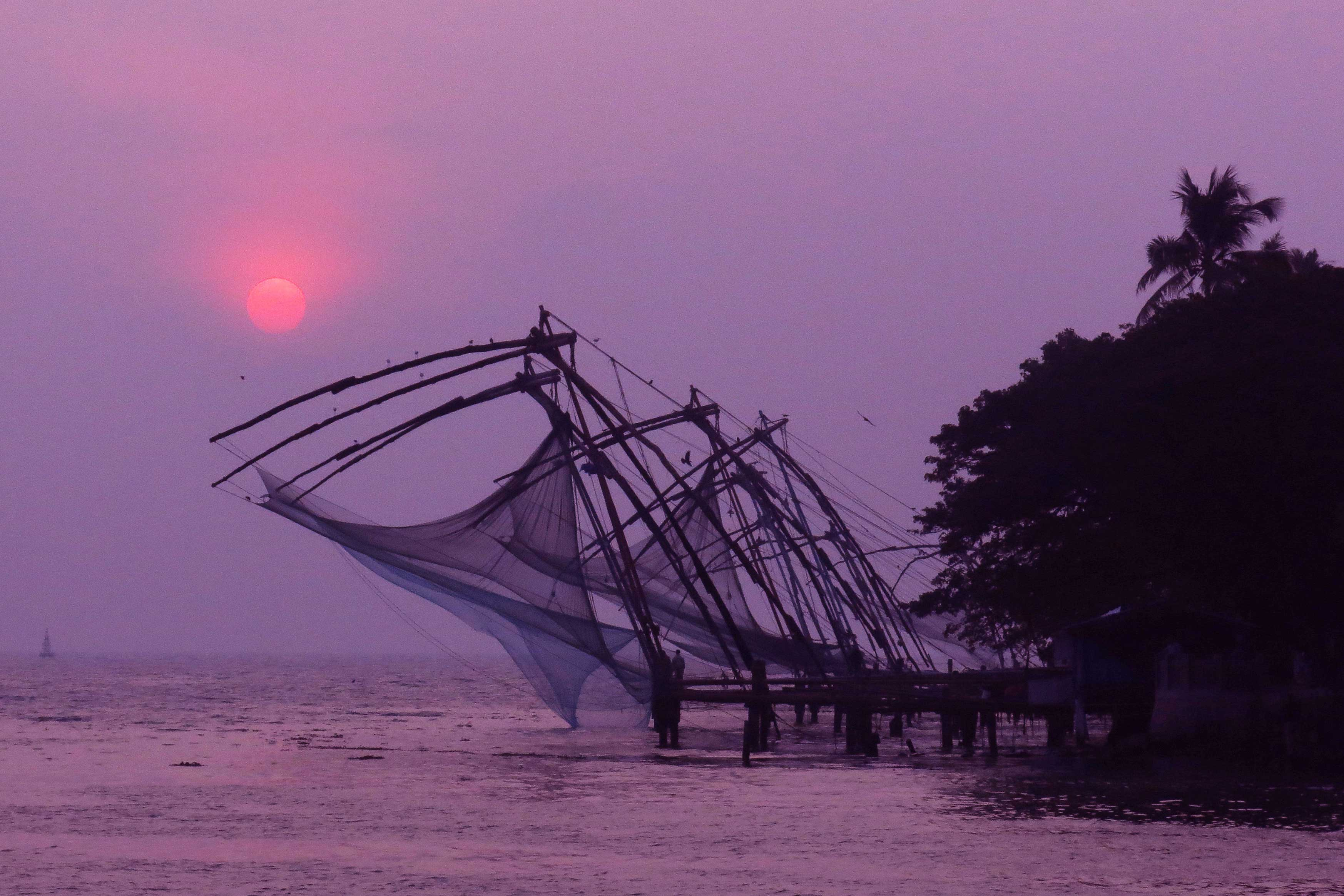 Silhouette-of-Chinese-fishing-nets-Cochin-India