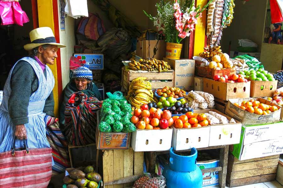 Daily market Ollantaytambo Peru